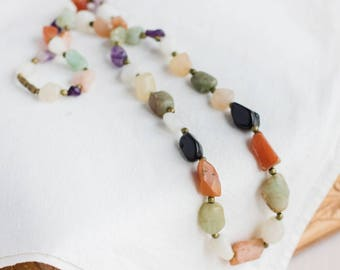 Lange Edelstein Necklace_natural Stein Jewelry_jade Carnelian_amethyst Quartz_black Green_purple weiß orange_1970s_soviet Vintage_beauty Geschenk
