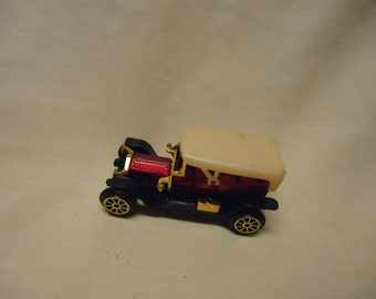 Vintage Plastic Classic Car Toy, no 302, Made in Hong Kong, collectable