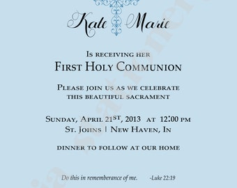 1st Communion Invitation with Fancy Cross with Quatrefoil background in light blue (5x7) U-Print