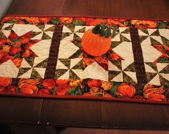 Quilted Table Runner, Hand Made Table Runner, Fall colors Table runner, Quilted Table Topper, Hand-made Quilts,Home Made Quilt, Home Decor