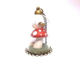 Fairy tale garden terrarium necklace, miniature fairy garden, toadstool necklace, Snail terrarium, snail necklace, miniature art, snail art