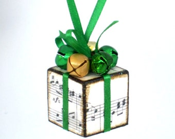 Sheet Music Christmas Tree Ornament Small Green Christmas Present Christmas Package Decoration Jingle Bells