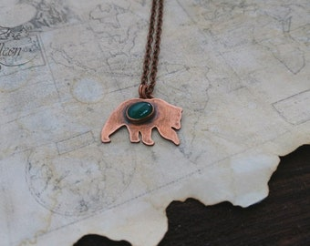 Little bear pendant, Green onyx pendant, Onyx pendant, Bear necklace, Copper bear necklace, Animal necklace, Green stone necklace