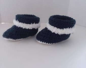 Navy Cuffed Boots with Fur Size 3-6 Months