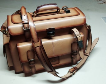 Leather Satchel Train Case, Brief Case, Leather Messenger Bag, Hand Made,  Carry On Suitcase,  Travel Tote, Travel Bag, gift, Handbag, bag