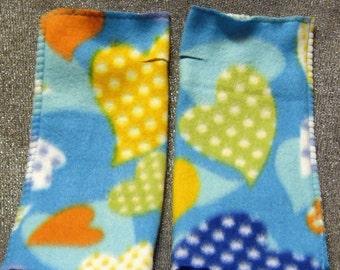 Warmies Fingerless Fleece Gloves, Hearts a Flutter Blue Print