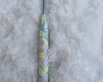 Susan Bates Size F Crochet Hook, Handmade, Polymer Clay Crochet Hook, Pastel colored, Crochet Hook, Bates F Hook