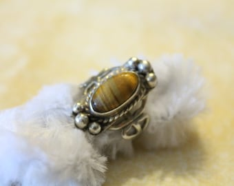 Sterlling Silver Design Ring Wtih Tiger's Eye Stone - SZ 5