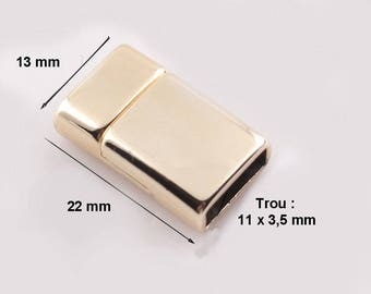 Slightly curved rectangular clasp, 22 x 13 mm, clear, gold tone magnetic clasp two lugs positioning.