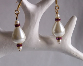 Pearl earrings and pink fuchsia Swarovski crystals washers mounted on hooks