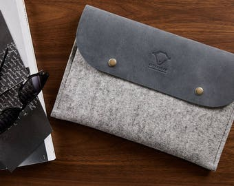 iPad Pro 9.7/ iPad 9.7 (2018)/ iPad 10.5 case with apple pencil holder Fits smart keyboard apple pencil case Genuine leather 100% wool felt