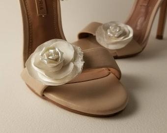 Frosty Rose Shoe Clips