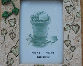 """Resin 3D Ivy Picture Frame-3 1/2"""" x 5"""" size photos"""