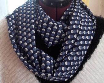 the geometric chic blue tube scarf