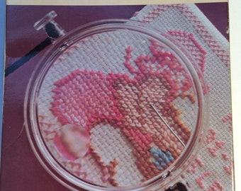 Magnifying Glass Viewer Hangs Around Neck for Hands free Use Needlework Puzzles Knitting