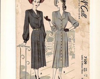 """A Long, 3/4 & Short Sleeve, Pleated Skirt, Rounded Collar, Front Buttoned Day Dress Pattern for Women: Retro Size 16, Bust 36"""" • McCall 7109"""