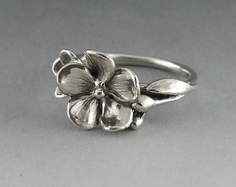 Sterling Silver Flower Ring, Just a Pretty Silver Ring, Floral Ring, Forget Me Not Ring Hand Made by Dawn Vertrees