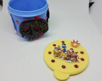 Snow white tiny snack cup!