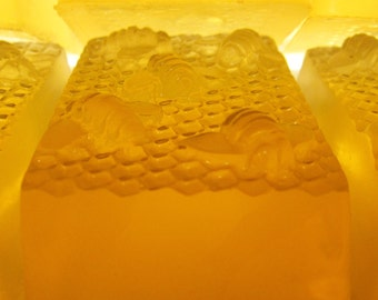 Honey Soap Delicious Fragrance Moisturizing from Lee the Beekeeper