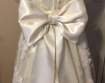 Large Bow Wedding Dress Sash, Big Bow Wedding Sash, Extra Large Bridal Bow Sash