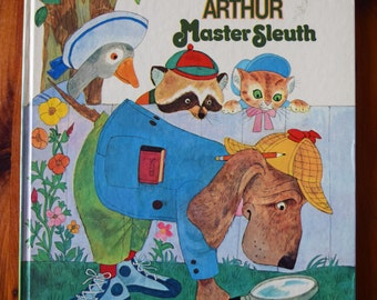 Detective Arthur Master Sleuth/A Golden Book/Mary J. Fulton/Aurelius Battaglia/Hardcover Children's Chapter-style book/Dog book