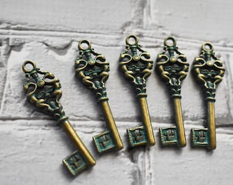 Key Antique Brass Charms- Antique Style Ancient Key Pendant- Steampunk Verdigris Bohemian Amulet Supply- Set of 5