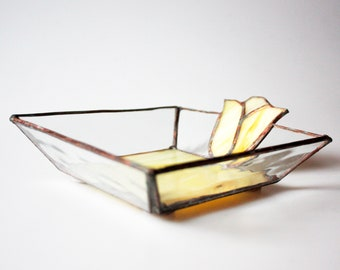 Yellow stained glass tulip dish