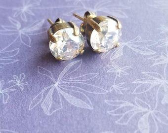 Stud earrings / studs / crystal earrings / wedding studs / bridal studs / womens fashion / jewelry / jewellery / gifts / womens gifts