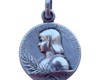 Saint Joan of Arc Medal - French Religious Vintage Medal Pendant Charm By A. Lavrillier -  Necklace Jewelry - Saint Patron of France