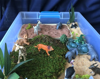 On the Savanna  Sensory Bin / Reggio / Montessori / Waldorf / Preschool / Sensory Play / Open-Ended Play/ Wild Animals / Small World Play