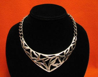 MINT Vintage Monet HUGE Silver Plated Abstract Filigree Shapes Bib Choker Necklace