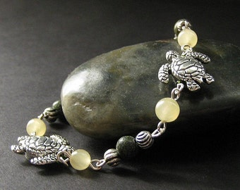 Sea Turtle Bracelet. Tortoise Bracelet Beaded in Honey Jade and Moss Agate. Handmade Jewelry.