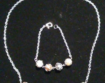 Pearls and lace bridal necklace and bracelet set.  Prom jewelry set.