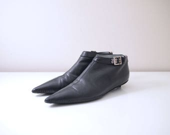 Vtg 90s Sigerson Morrison Black Leather Pointy Toe Slip On Shoes Womens Sz US6.5B