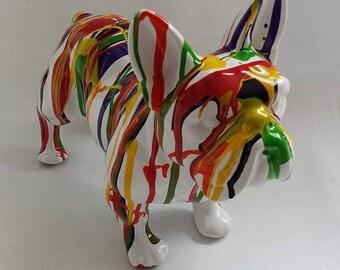 """Grande Statue de chien Bouledogue Français en céramique, modèle """"White Drip"""" unique, Laure Terrier. Longueur 32 centimètres"""
