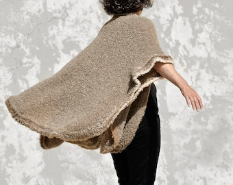 Brown poncho made of Boucle yarn, hand knitted