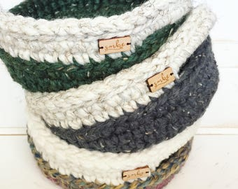 Mother's Day Gift / Small Crochet Basket / Birthday Gift Basket / Home Decor / Farmhouse Decor / Entryway Basket / Storage Basket