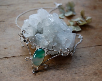 Green Agate Elven Necklace with flowers and Vine