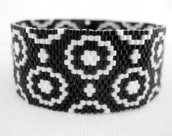 Peyote Pattern - Happy Circles - INSTANT DOWNLOAD PDF - Peyote Stitch Bracelet Pattern - One Drop Even Peyote - Peyote Flower Pattern