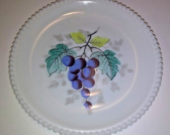 "Vintage Westmoreland Milk Glass Beaded Edge 7.5"" Salad Plate Hand painted Grapes"