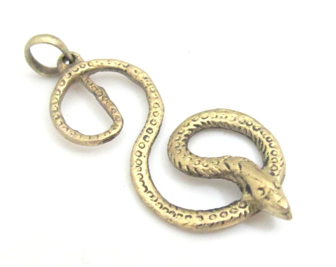 Light weight tibetan silver plated figure of 8 coiled Snake pendant - PM356