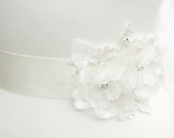Flower bridal sash, lace bridal sash