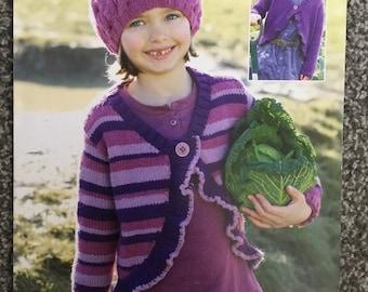 "Sirdar Supersoft DK knitting pattern 2260 girls cardigan 22""-32"" (E04)"