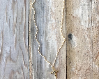 Short Simpt Nail Cross Necklace