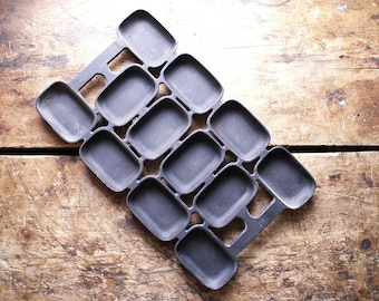 Antique Cast Iron Muffin Baking Pan with Rectangular Cups - Griswold No. 6 Gem Pan