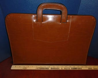Vintage pegasus Attache case. Briefcase. Vintage briefcase. Vintage attache case. Attache case