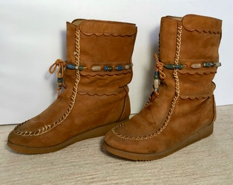 Vintage smooth suede moccasin boots size 8