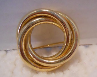 Brooch - Pin - Vintage Round Swirled Tubes - Round and round - never ending swirls - Gold Tone Metal - Chic Brooch - Great for scarfs