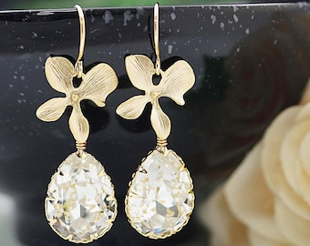 Wedding Bridesmaid gifts Bridal Earrings Bridesmaid Earrings Orchid flower and Clear White Swarovski Crystal Tear drops dangle earrings