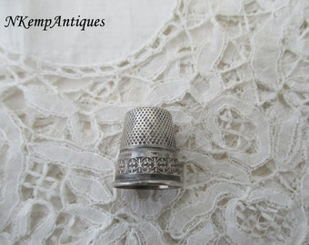 Silver thimble for the collector